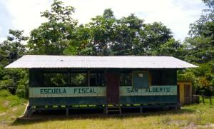 École en Amazonie en Équateur