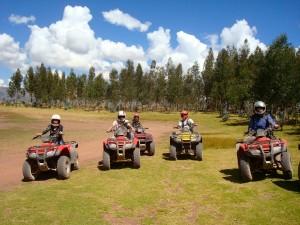 Excursion en VTT pour programme d'immersion espagnol à Cusco au Pérou